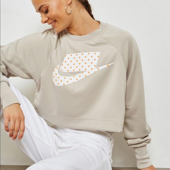 f4fd358ab3275c Nike    NSW Crew Crop Sweatshirt. M 5bf20c72de6f6237369b1940